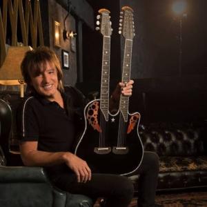 私がギターを始めたきっかけはボンジョヴィ リッチーサンボラでした
